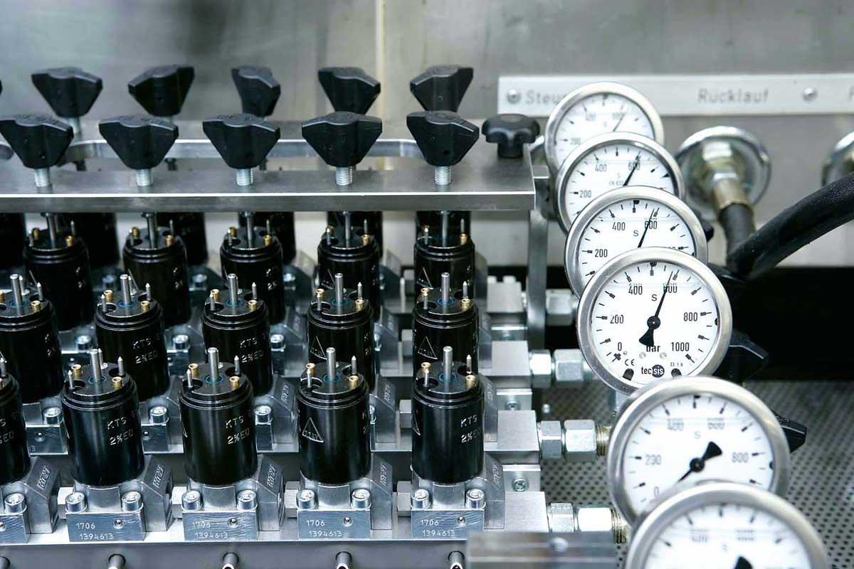 محصولات هیدرولیک هاو